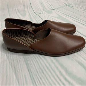 Hush Puppies brown loafers